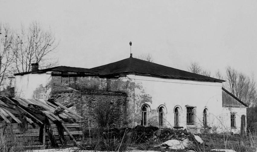 1988 год. Здание церкви - фото с сайта sobory.ru