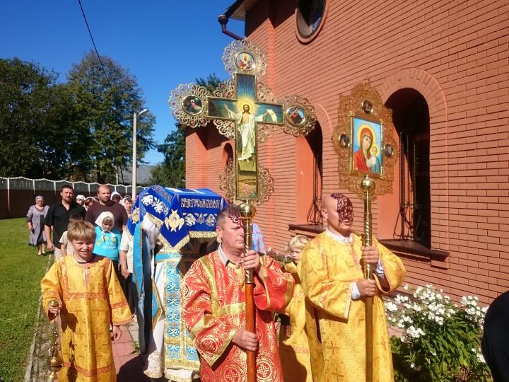 Крестный ход с выносом Святой Плащаницы на Успение Пресвятой Богородицы (28 августа 2016 г.)